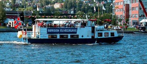 USIKKER FREMTID: Hvis ingenting gjøres for å redde MS Drammen, kan byen miste turbåten sin i løpet av et eller to år, skriver byguide Oddbjørn Lervik.