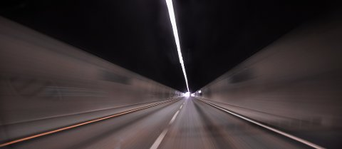 RYSTET: Politiet er rystet over bilisten opptreden da han fikk motorstopp rett før en tunnel på E18.