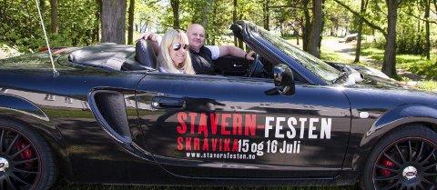 Skråvika: Karl Johnny Hanøy og Inger Nilsen er klare for å arrangere Stavern-Festen og fylle tomrommet etter Stavernsfestivalen i Skråvika foto: per albrigtsen