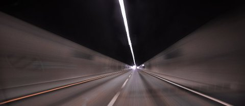 De siste årene har det vært flere alvorlige tunnelulykker i Norge og Europa, noe som gjør at både EU og Norge får tunnelkjøring som en del av det å ta førerkort i 2016. (Foto: Asbjørn Olav Lien)