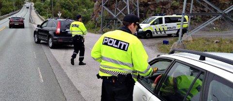 På Rensvikholmen i Kristiansund ble 100 biler vinket til side