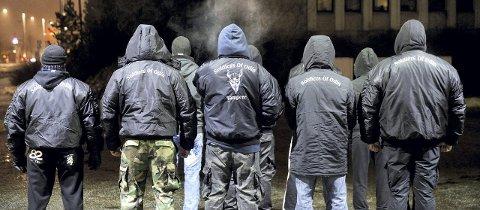 GATEPATRULJE: «Soldiers of Odin» ble opprettet som en gatepatrulje i Finland i fjor. Nå hevder organisasjonen at den har lokallag over store deler av Norge, og forrige helg patruljerte medlemmer av Odins soldater også bygatene i Kongsvinger.FOTO: NTB/SCANPIX
