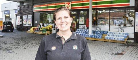 Trenger din hjelp: Daglig leder Ida Miliansen hos Shell77-Eleven på Bjørkelangen.
