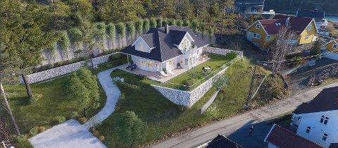 Slik ønsker eierne av tomta i Ulvåsveien på Nøtterøy at det nye huset deres skal bli. Det krever imidlertid massive terrenginngrep for å få til.