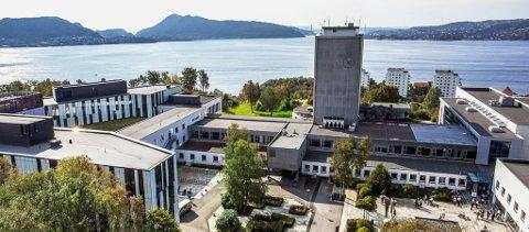 Det er registrert totalt 39 smittetilfeller med koronavirus ved Norges Handelshøyskole.