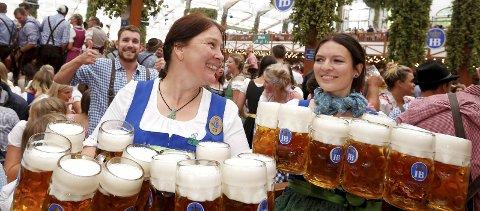 OKTOBERFEST: Tradisjonen fra tyskland har spredd seg. Her fra fjorårets åpning i München. Foto: Michaela Rehle