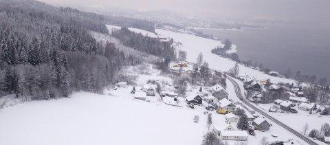 STOR UTBYGGING: Ved Steinsjå/Framnes planlegger Lillehammerfirmaet Ersgaard boligutbygging rettet mot barnefamilier. Området ligger fra enden av det åpne feltet mot nord og mot Gjøvik.