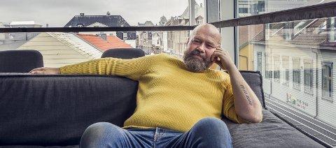 Jeg har det fantastisk nå : – Nå husker jeg hva som skjedde kvelden før, som resultatet av en fotballkamp for eksempel. En alkoholiker koser seg ikke med et glass, det handler kun om rus.  Jeg har aldri drukket én øl i hele mitt liv, det var ingen vits, det blir ingen rus av det,  sier Jan Erik Østreng.
