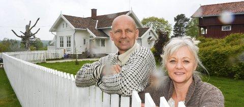 GLADE: Bente og Gjermund Skullerud Næss trives på Nordre Gaasvik. Foto: Anne Enger Mjåland