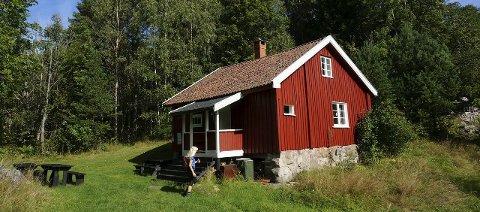 LABRÅTAN: En gammel husmannsplass som i dag vedlikeholdes som «Leirduebane». ALLE FOTO: ANITA OG BIRGER LØVLAND