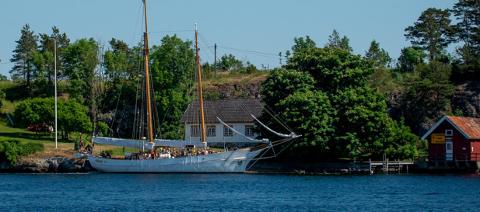 NYTT LIV: Det skal bli nytt liv i forpakterboligen på Langøya, like ved hovedgården.