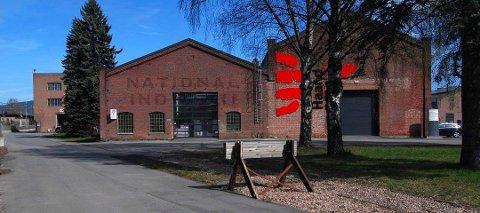 VERNEVERDIG: «Maskinhallen», hvor Haandbryggeriet holder til, er et av de verneverdige byggene som i utgangspunktet er tenkt at skal rives for å gi plass til det nye sykehuset. Nå jobber Lier og Drammen kommuner for å bevare noe av industrihistorien.