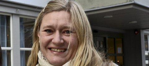 STORT TRYKK: Leder Inger Marie Solgård ved Frivilligsentralen i Fredrikstad melder om massiv pågang til svømmekurs for innvandringskvinner.