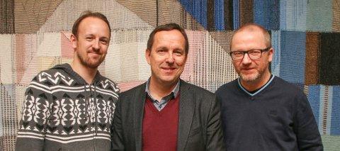 Mediehusene i Tromsø skal samarbeide om en sending fra Alfheim etter TIL-kampene. Rune Robertsen (iTromsø), Gunnar Grindstein (NRK) og Leif-Morten Olaussen (Nordlys). Foto: Bernt Olsen, NRK
