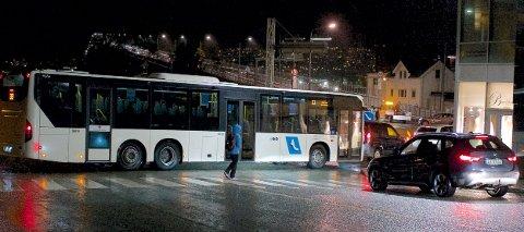 STANS: Ved 22-tida torsdag var det full stans ved brufoten på Tromsøya.