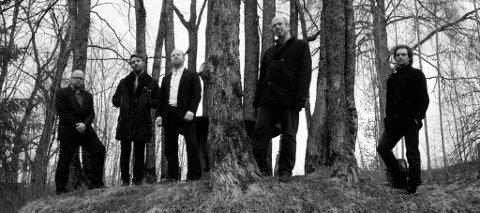 TIL HØNEFOSS: Nils Økland Band.