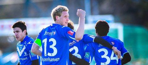 ULIK UTVIKLING: Mohamed Elyounoussi (til venstre) og Ole Heieren Hansen er eksempler på to spillere som hadde en ulik utvikling som ung. Begge ble høyst respekterte fotballspillere. Dette bildet er fra 2012.