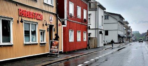 POPULÆRT STED: Paradis Pizza i Pellygata har i en årrekke servert pizza og kebab til sultne sarpinger.