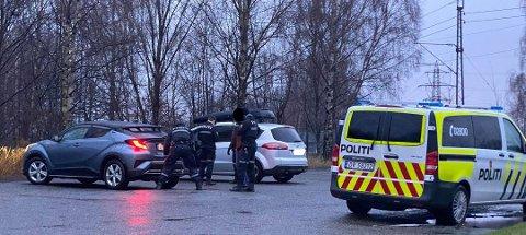 HAMRET LØS: Flere var vitne til slagene som ble delt ut etter en kollisjon på Sarpsbrua fredag ettermiddag.