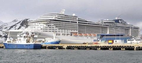 SEILER IKKE NORDOVER: Cruisetrafikken har stoppet helt opp. Det betyr store tap for havnene som hadde ventet besøk i sommer fra store cruiseskipene.
