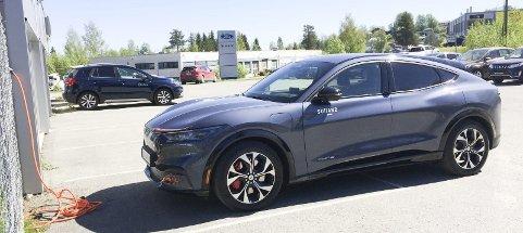 I FULL GALOPP PÅ REGISTRERINGS-STATISTIKKEN: Fords nettopp lanserte elbil Mustang Mach-E er Gjøvikregionens mest solgte i mai. FOTO: ØYVIN SØRAA