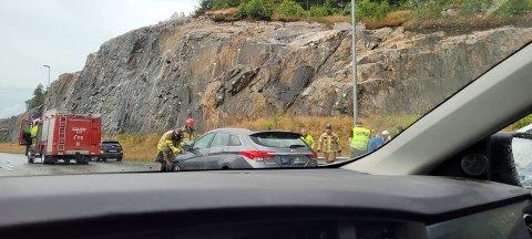 To biler og sju personer er involvert i ulykken.