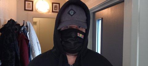 Hvem skjuler seg bak masken?