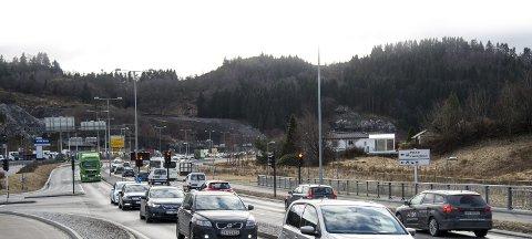 20.000 biler passerer Steinestøvegen i døgnet, men etter Stortingsbehandlingen av NTP ble det oppstartsmidler til nye tuneller mellom Åsane og Nordhordland likevel. Nå er også planene snart klare.