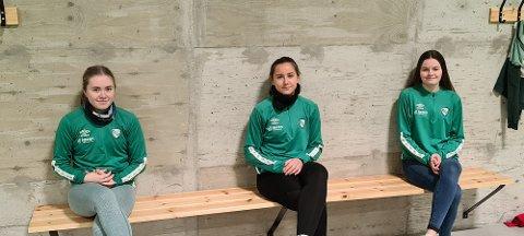 SATSER STORT: June Kvamsø, Marion Zakariassen og Iselin Kristensen Leidland har signert for Klepp, og satsar stort på fotballen.