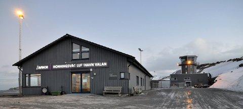 KRAFTIG: Vinden i Nordkapp har vært kraftig gjennom helga og skal holde på litt til.