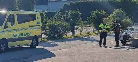 En bil og en motorsykkel kolliderte i Dikeveien.