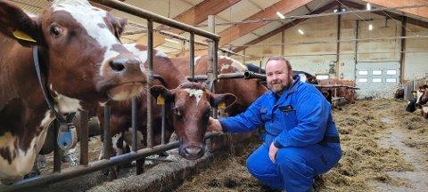 I FJØSET: Raymond Fagerlis innsats har ikke gått upåaktet hen hos Norske Landbrukstjenester, som har nominert graneværingen.