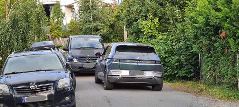 To stae sjåfører som begge mente at de hadde rett, førte til en ørliten trafikkork i Tungebråteveien.