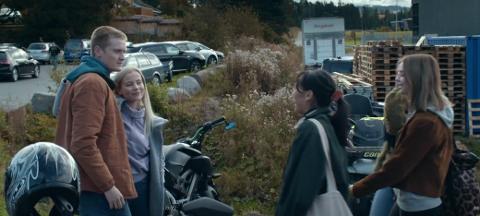 NY SESONG: I den tredje sesongen av «Blank» er det Markus Berg som er hovedkarakteren. De fleste scenene, som denne bak Hadeland videregående skole, er spilt inn på Hadeland.