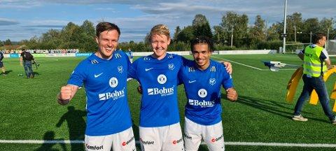 MÅLTRIO: Ole Andreas Nesset (fra venstre), Herman Henriksen og Benedict Notoane var de tre målscorerne til Eidsvold Turn i lørdagens seier mot Bærum. Foto: Thomas Karlsen.