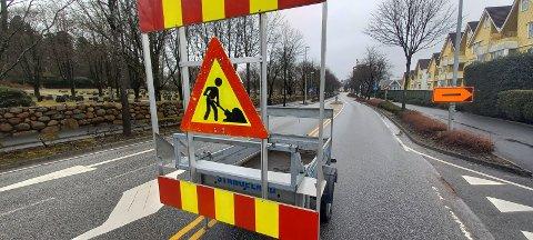 Denne veien er stengt frem til lørdag på grunn av omlegging av hovedavløpsledningen i området.