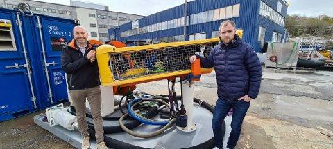 Kristiansundselskapet Ocein opplever braksuksess med sin egenutviklede robotvasker. Victor Jensen (til venstre) og Erik Aspen jobber med mange nye prosjekter og er i gang med en kraftig økning av arbeidsstokken.
