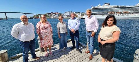 Sommerlig budsjettharmoni om låneopptak til nytt kulturhus i Kristiansund. Fra venstre: Stig Anders Ohrvik (NML), Line Karlsvik (SV), Ragnhild Helseth (V), Torbjørn Sagen (H) og Berit Tønnesen (Ap).
