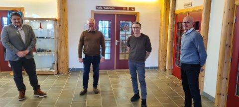 Samde: Ordførarar og rådmenn var einige om millionbeløpet fredag. Her ser vi Haldor Ødegård (f.v.), Odd Erik Holden, Jostein Aanestad og Martin Sæbu.
