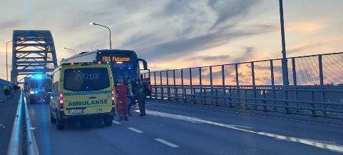En personbil og denne flybussen kolliderte i voldsom kraft onsdag 9. juni.