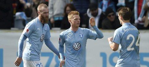 CUPTAP:  Granasokningen Jo Inge Berget (til venstre) scoret på straffe, men tapet gjør at Malmö ikke får europacupspill denne sesongen. FOTO: NTB