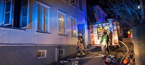 UTBRENT: En leilighet er utbrent etter at det brøt ut brann i Gråbrødegaten natt til søndag.