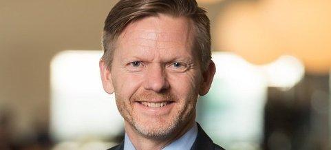 Høyrepolitiker Tage Pettersen på Stortinget vil at NRK skal ta en runde til om de nye sendetidene for lokalsendingene.