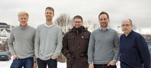 Lars Petter Nora, Audun Finsveen, Torben Søraas, Lars Kimo Jørgensen og Glenn Haugen er fornøyde med ny Enova-kontrakt.