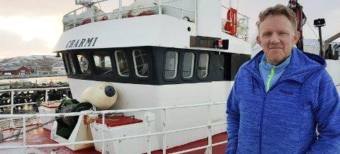 STORT BEHOV: Fiskeskipper Odd Arne Mikkelsen i Mehamn beskriver en situasjon der det stadig vekk er behov for hurtig hjelp. Mangel på redningsskøyte gjør at båtene hjelper hverandre.Foto: Privat