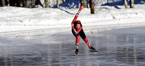 I AKSJON: 12 år gamle Pernille H. Løvenstad Skolem fra Hvittingfoss, som går for HBSK, i aksjon på 1.000 meteren i Idrettsparken.ALLE FOTO: OLE JOHN HOSTVEDT