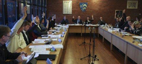 SA NEI: Her sier 13 av 20 kommunestyrerepresentanter i Våler (Sp og Ap) nei til at Våler skal gå videre med forhandlinger. Forslaget ble vedtatt mot sju stemmer: KrF, Høyre og Frp stemte imot.