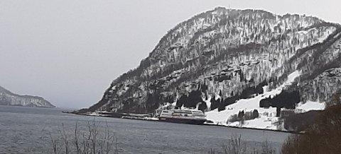 OLAVSVERN: Hurtigrute-skipet Trollfjord ligger nå i opplag ved Olavsvern. Foto: Rolf Pedersen