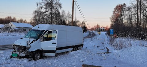 Slik så det ut ved ulykkesstedet på Magnor lørdag morgen.