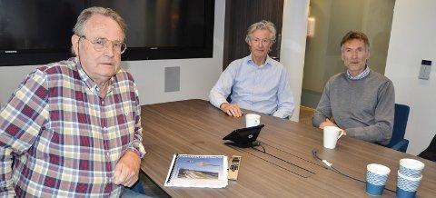 POSITIVE TILBAKEMELDINGER: Per Waage, Håkon Nordbakken og Trond Jøran Pedersen, alle i arbeidsutvalget for Nye Fageråsen Hoppanlegg, føler de har mange i ryggen når de nå jobber for å bygge et større hoppanlegg i Fageråsen.
